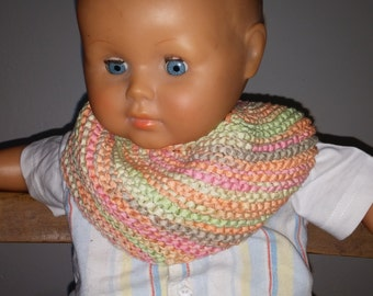 Knitted baby bib with a Ribbon yarn