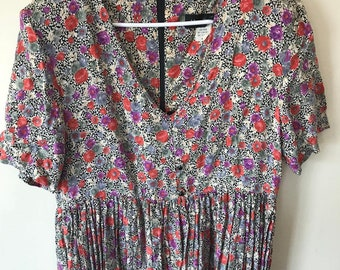 Moon Dance // Beautiful Vintage Floral Dress