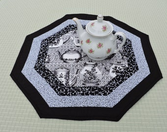 TeaPots Table Runner