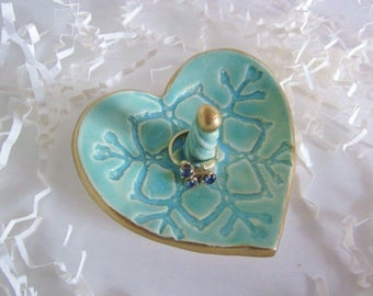 Heart ring holder mint green with gold rim, bridesmaid gift, Christmas gifts, Birthday gifts