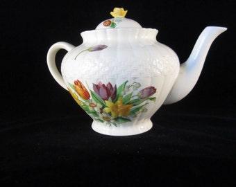 Vintage Ambassador Ware Teapot.