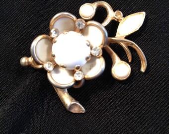 Older White Flower Brooch, White Stones Flower Brooch, White Flower on Branches Pin, 1940's, Brooch for Repair, One Missing Rhinestone.