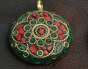 Inlay Lakh Pendant, Brass with Golden Polish stone inlay, sold by each