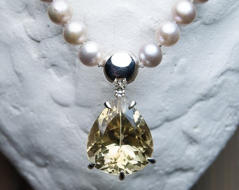 Sterling silver neklace with citrine and freshwater pearls. Citrine necklace. Pearl necklace. Handcrafted.