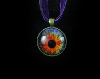 eyeball eye pendant necklace jewellery Steampunk gothic goth dark horror jewelry vivid eyecatching design definate statement piece