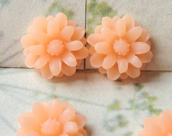 12 mm Peach Color Little Daisy Chrysanthemum Resin Flower Cabochons  (.tu)