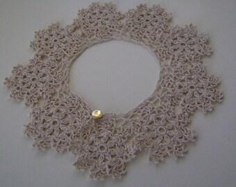 Crocheted Daisy Motif Detachable Collar Ecru