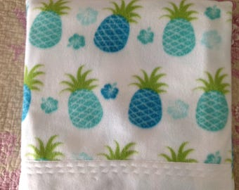 Pineapple quillow