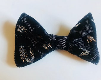 Black Leopard Bow