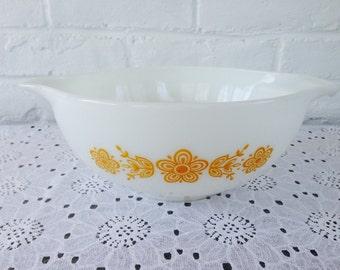 Pyrex Butterfly Gold Cinderella Bowl