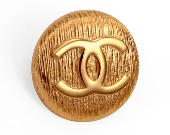 Authentic and Vintage CHANEL Pin - Rare model - Logo CC