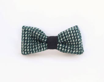 Green wool switchable bow tie