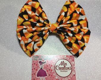 Candy Corn Craze Bow.