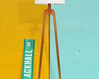 Danish Modern Tripod Floor Lamp – Cherry