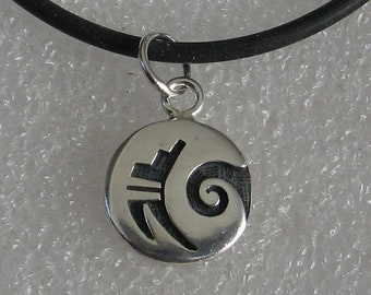 Jewelry Rescue  Vintage Sterling Native American Spiral Pendant 14mm