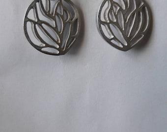 Tribal round drop earrings