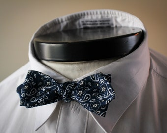 The Oakley - Our bandana bowtie in blue paisley
