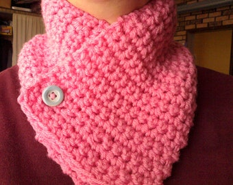 pink neckwarmer with button