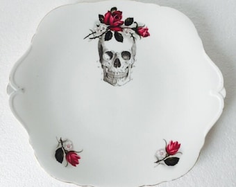 Skull Cake Sandwich Plate Red Roses Floral White Vintage Bone China Made in England Afternoon Tea Party Wedding Anniversary Gift New Home