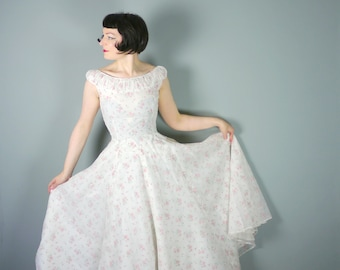 50s EVENING dress in white CHIFFON with flocked pink rose pattern - floor length BRIDESMAID Mid Century ball / prom / party gown - S