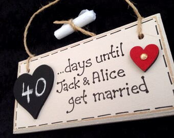 COUNTDOWN to WEDDING / ENGAGEMENT Gift Plaque- Red Heart.