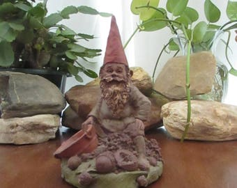 Sorghum of Glade Valley Gnome Sculpture – Thomas Clark Gnome Amidst Sorghum Berries & Syrup Statue – Retired Collectible Gnome –Cairn Studio