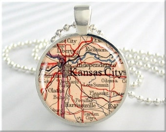 Kansas City Map Pendant, Resin Charm, Kansas City Missouri Map Necklace, Round Silver, Gift Under 20, Map Charm 655RS