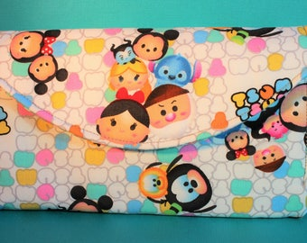 Disney Tsum Tsum Mickey and friends Quilted accordion style clutch wallet features 10 card slots and zipper pockets