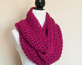 Infinity Scarf CROCHET PATTERN, Chunky Cowl, Circle Scarf, Neck Warmer, Easy Beginner Pattern, PDF, Made in Canada
