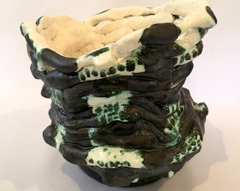 Wabi-Sabi Squat Coil Pot
