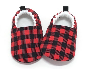 Buffalo Plaid Baby Shoes, Lumberjack Baby Booties, Baby Shower Gift, Soft Sole Baby Shoes,  Red Toddler slippers, baby moccasins, vegan shoe