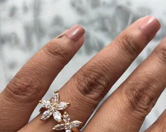 FLOWERBURST Crystal Flower Gold Ring