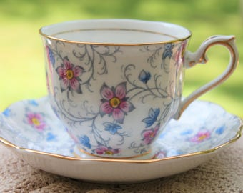 "Royal Albert Bone China Teacup and Saucer set ""Kendal"""