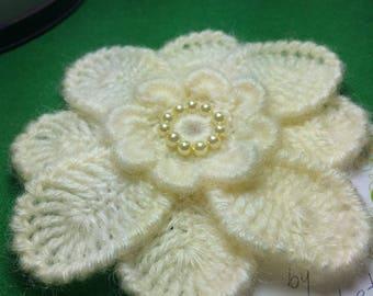 crochet flower , flower crochet ,crocheted brooche