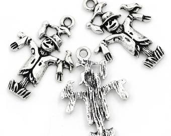 5 charms/pendants 25 mm x 18 mm antique silver metal scarecrow