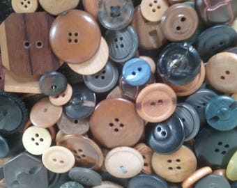 50 Vintage variety wood and other buttons