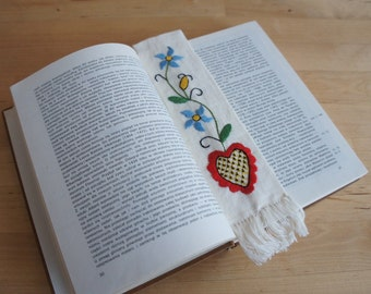 Handmade traditional kashubian embroidered Bookmark with Heart motif. Great gift.