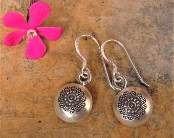 Silver earrings. Silver jewelry. Outstanding ethnic. Ethnic jewelry. Silver Jewelry. Ethnic Jewelry. Hill Tribe silver earrings.