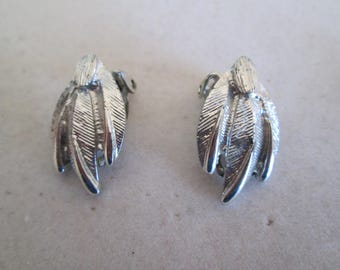 Vintage silver Willow tree leaf clip on earrings