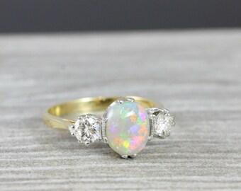 Opal und Diamant 3 Stein Verlobungsring in 18 Karat Gold für ihre handgemachte Ring UK