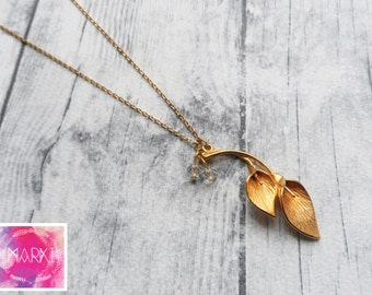 Calla lilly layering necklace, minimalist necklace, flower necklace, romantic, charm necklace, gold necklace, dainty necklace, jewelry set