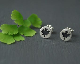 Maple Leaf Earrings, Canadian Earrings, Leaf Earrings, Silver Earrings, Silver Maple Leaf Earrings, Small Earrings, Little Maple Earrings