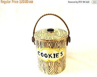 ON SALE Faux Bois Cookie Jar.Cookie Jar.Vintage.Kitsch.Faux Bois.Cookies.Kitchen Decor.Yellow