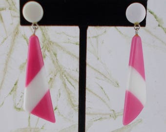 Vintage Mod Pink and White Plastic Striped Post Earrings  5908