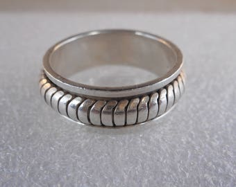 Vintage Sterling Silver Spinner Wedding Band Size 12 1/4, Articulated Design Ring