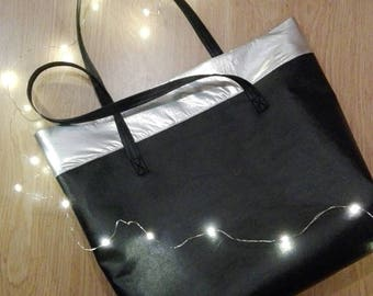 Shiny shopper bag