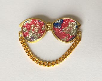 Retro 1980's Pink Blue Gold Glitter Colourful Flat Sunglasses Badge Brooch Pin Accessory