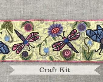 "DIY KIT - Bee Table Runner - Complete 12x40"" Primitive Rug Hooking Kit - Free Shipping in USA"
