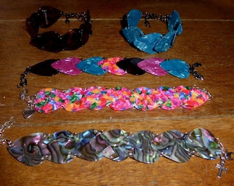 Plectrum (guitar pick) bracelet