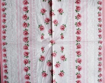 TOWEL in paper small pink roses and lace #F021